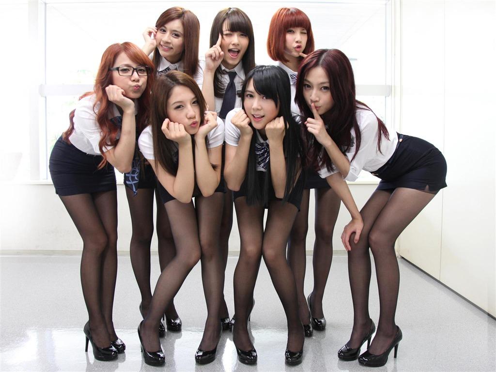 Порно фото молоденькие групповой 73799 фотография