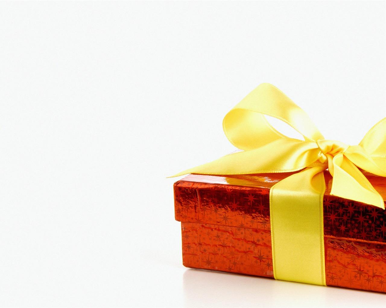 small decorative Christmas Christmas gift boxes Wallpaper ...