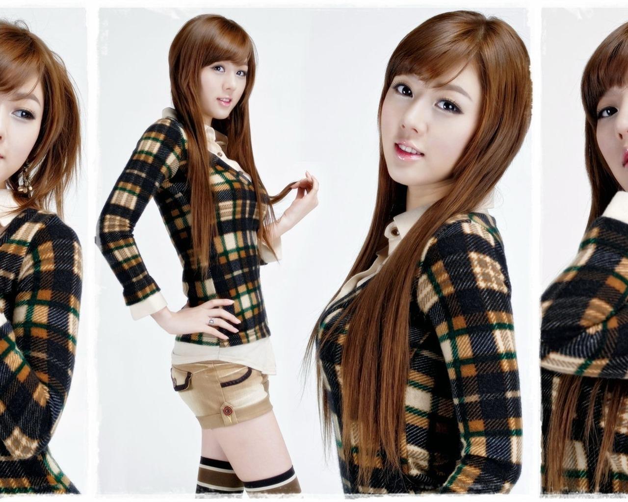 Korean motor show model hwang mi hee and song jina 13 1280x1024 korean motor show model hwang mi hee and song jina 13 1280x1024 wallpaper download voltagebd Gallery