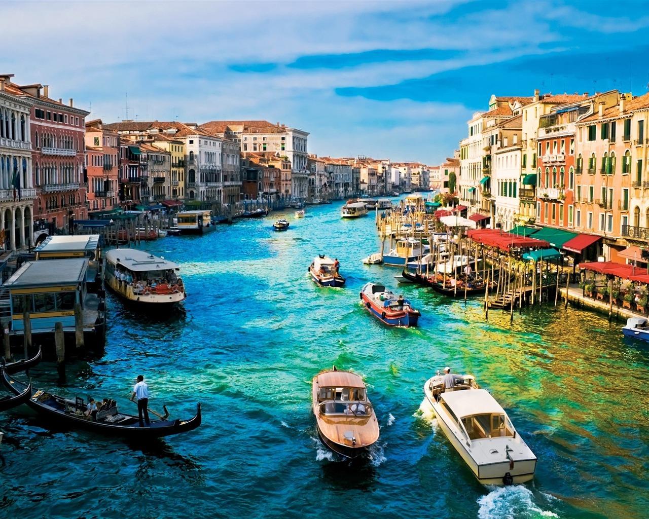 イタリア観光♩世界中の人を魅了するヴェネチアに行こ!