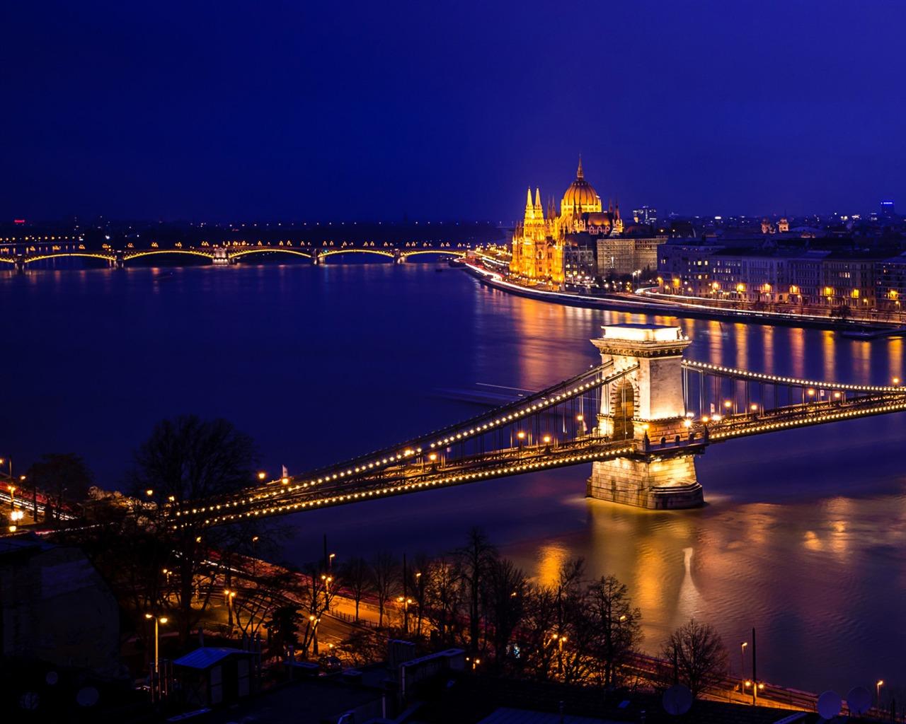 布达佩斯塞切尼链桥-Windows 10 高清壁纸预览 | 10wallpaper.com