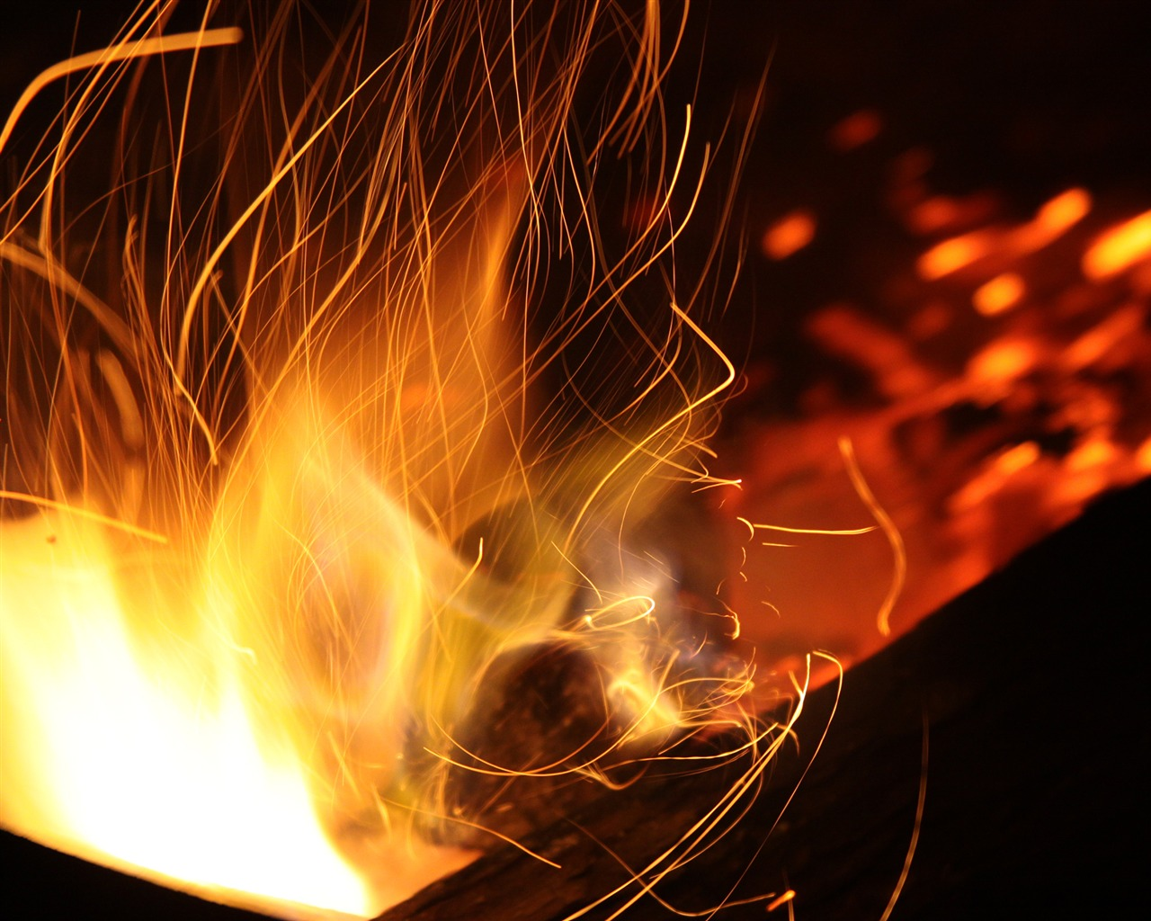 Photography / Burning coal fire close-up-Life Photography HD.