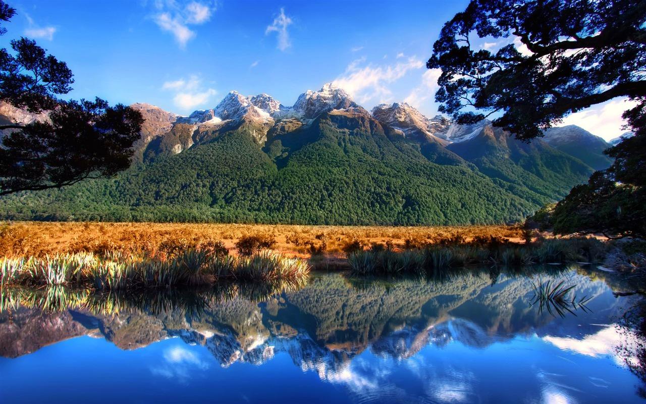 Lake Mountain Reflection Minimalism Wallpapers Hd: Mountain Lake Reflection-Photo HD Wallpaper-1280x800