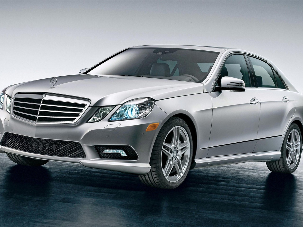 Front face 2012 mercedes benz e class saloon hd wallpaper view for 2012 mercedes benz e class e350
