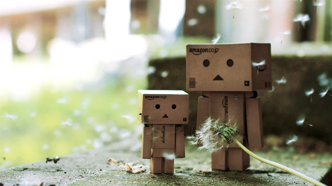 Danbo_in_Park_-_Danbo_Danboard_Wallpapers_032011.5.28