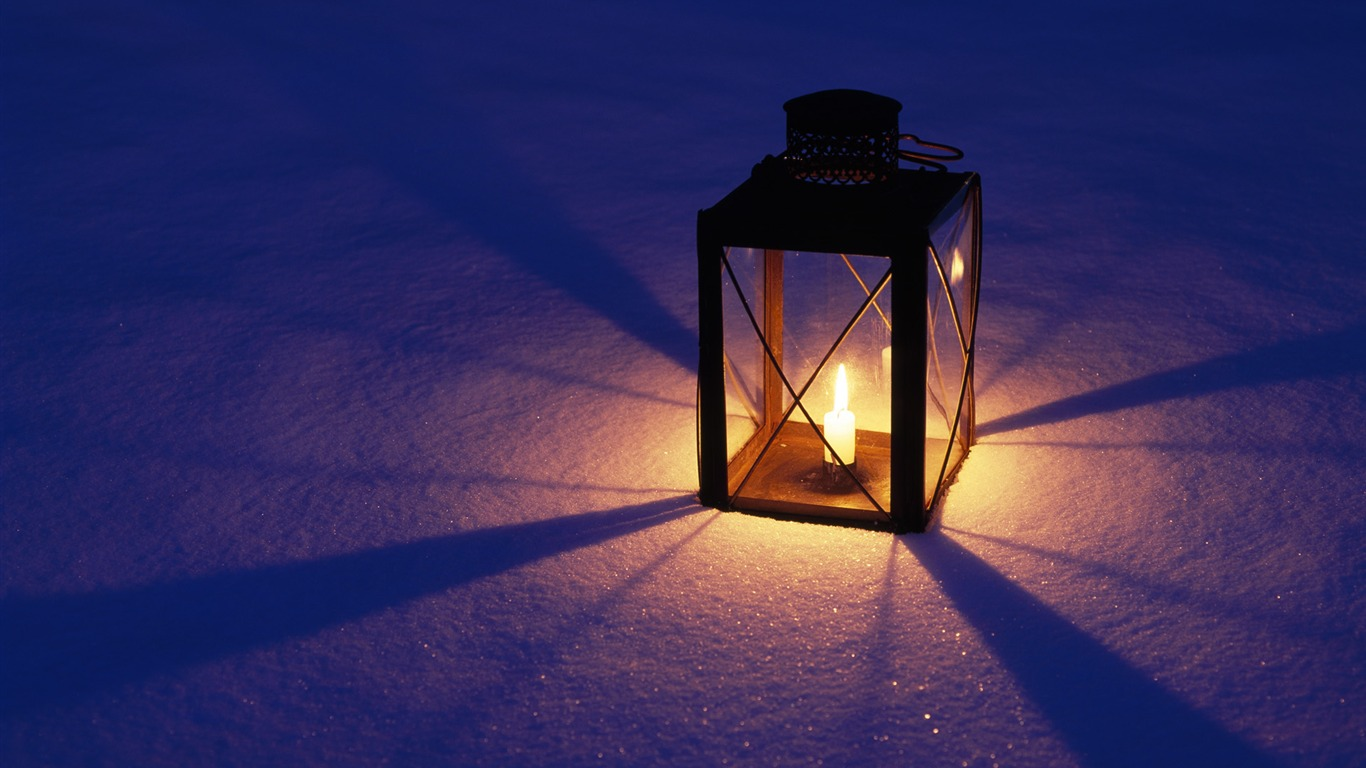 夜の雪灯籠の壁紙プレビュー 10wallpaper Com