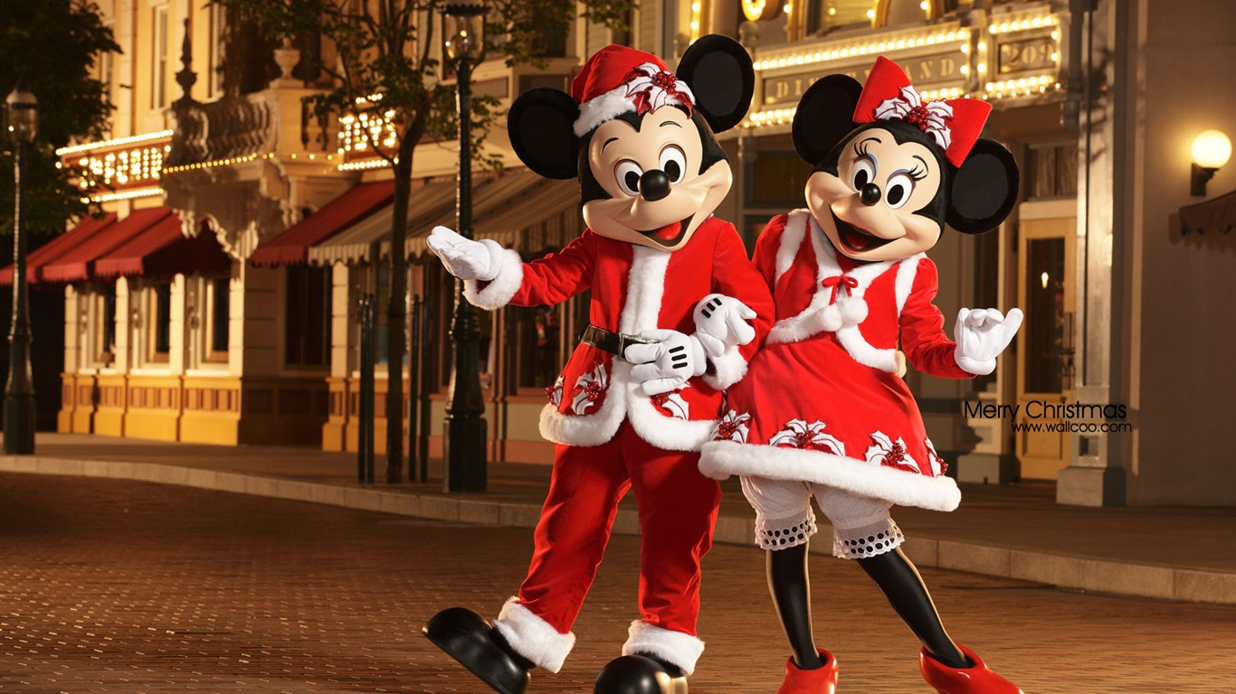 Mickey And Minnie Dressed As Santa Claus And Christmas Will Be Her