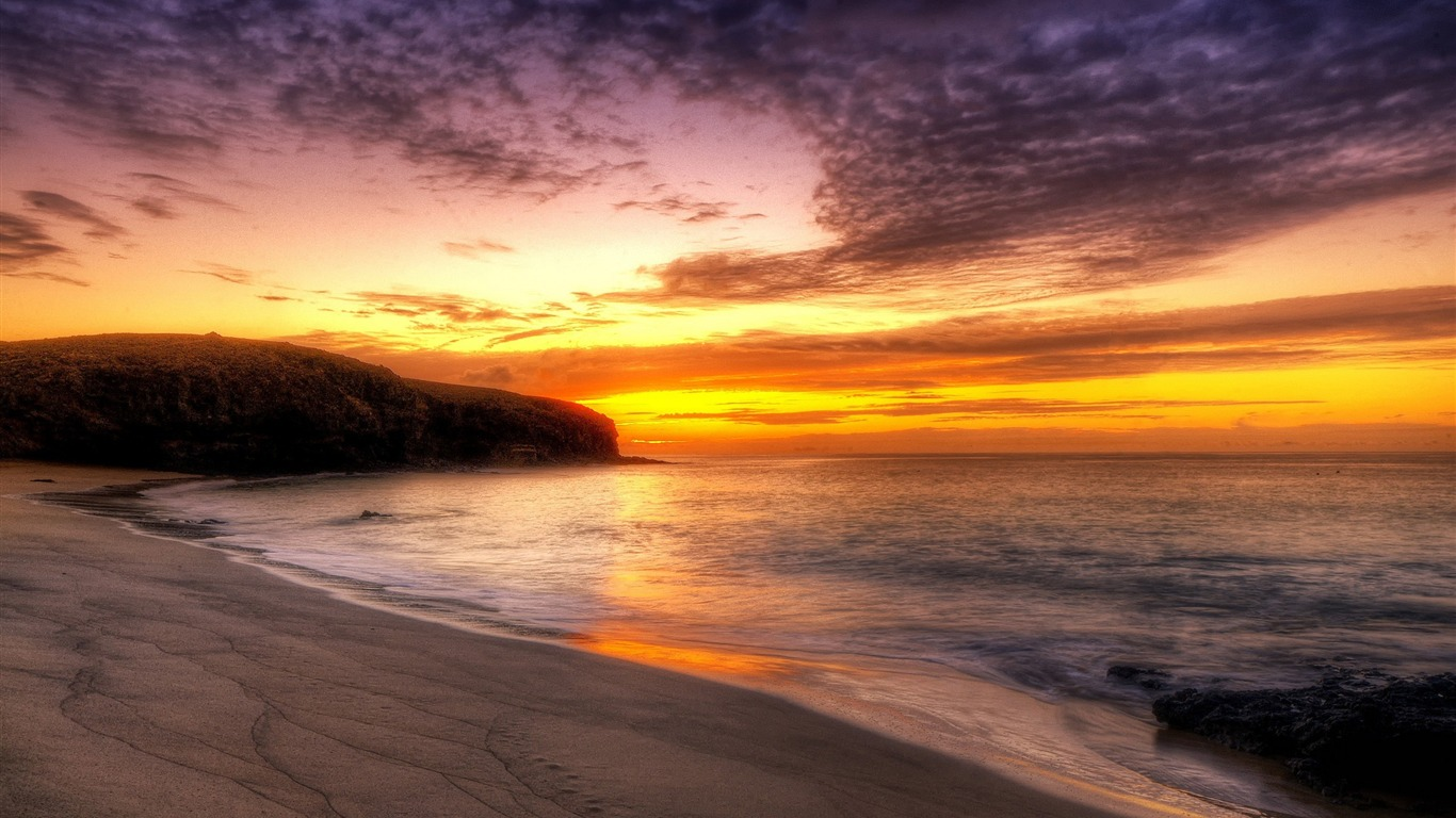 beach_HDR-Landscape_Desktop_Picture