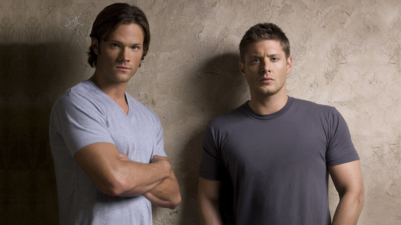 Dean_Winchester_and_Sam_Winchester_-Supernatural-HD_Wallpaper2011.12.21