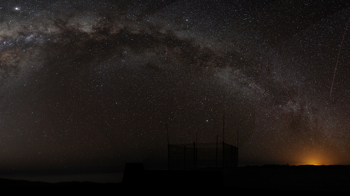 milky_way_arch-Explore_the_mysteries_of_the_universe2011.12.12