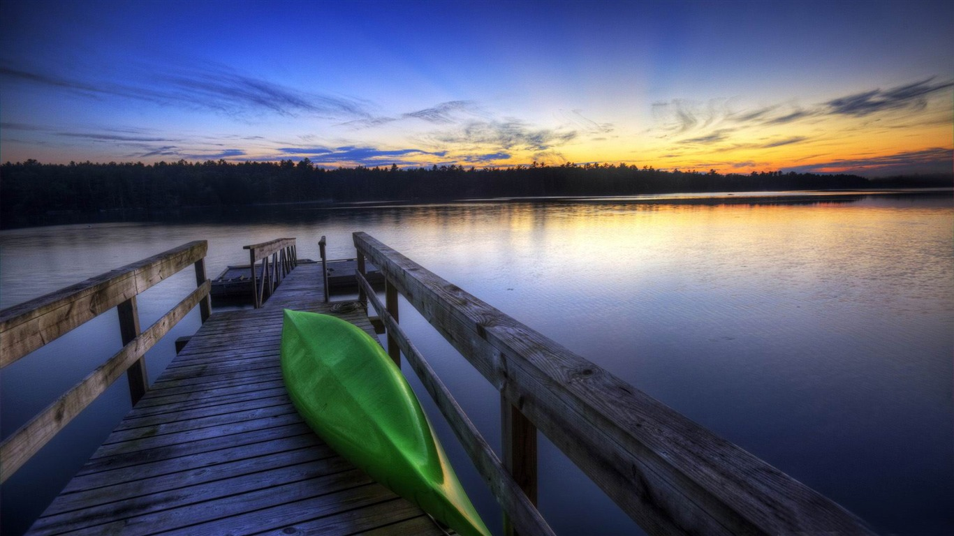 canoe_boat-Beautiful_river_landscape_photography2012.2.14