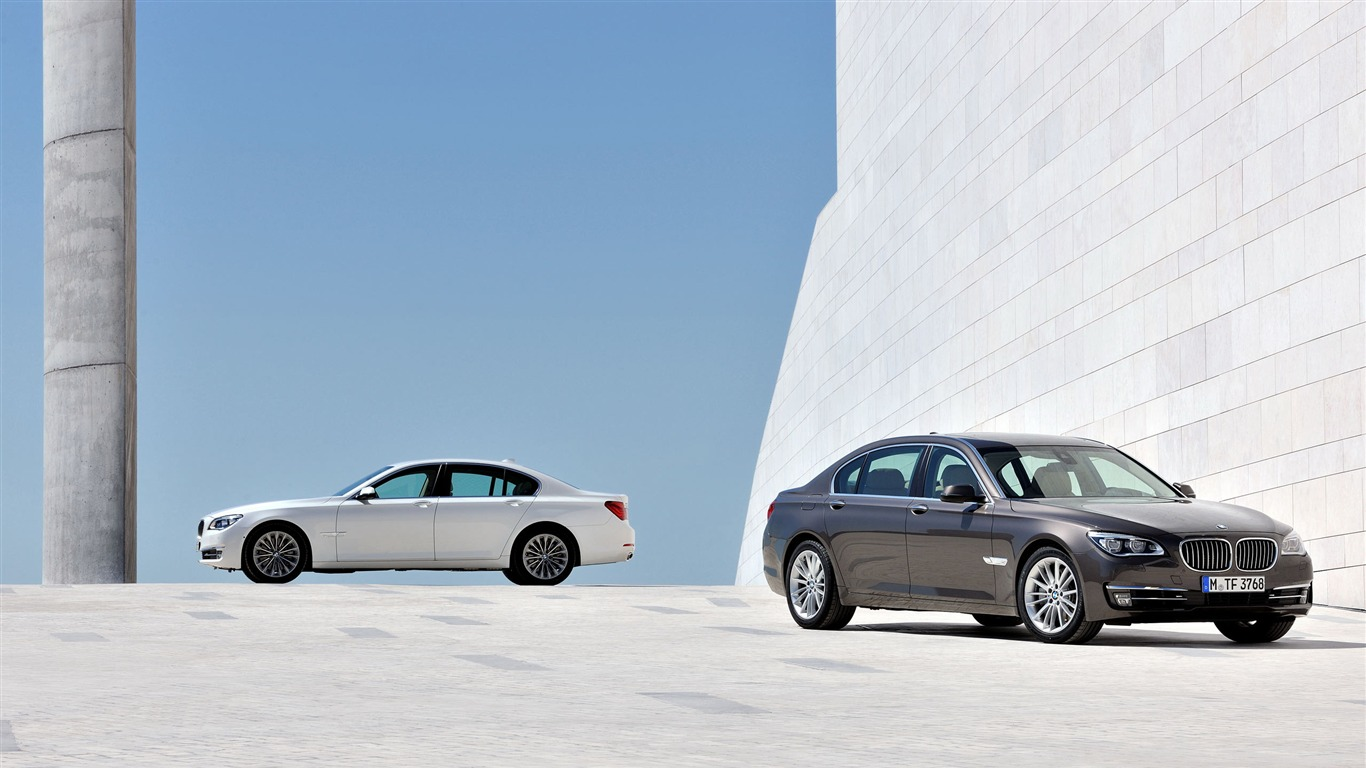 BMW_7_Series_Car_HD_Wallpaper_012012.5.30