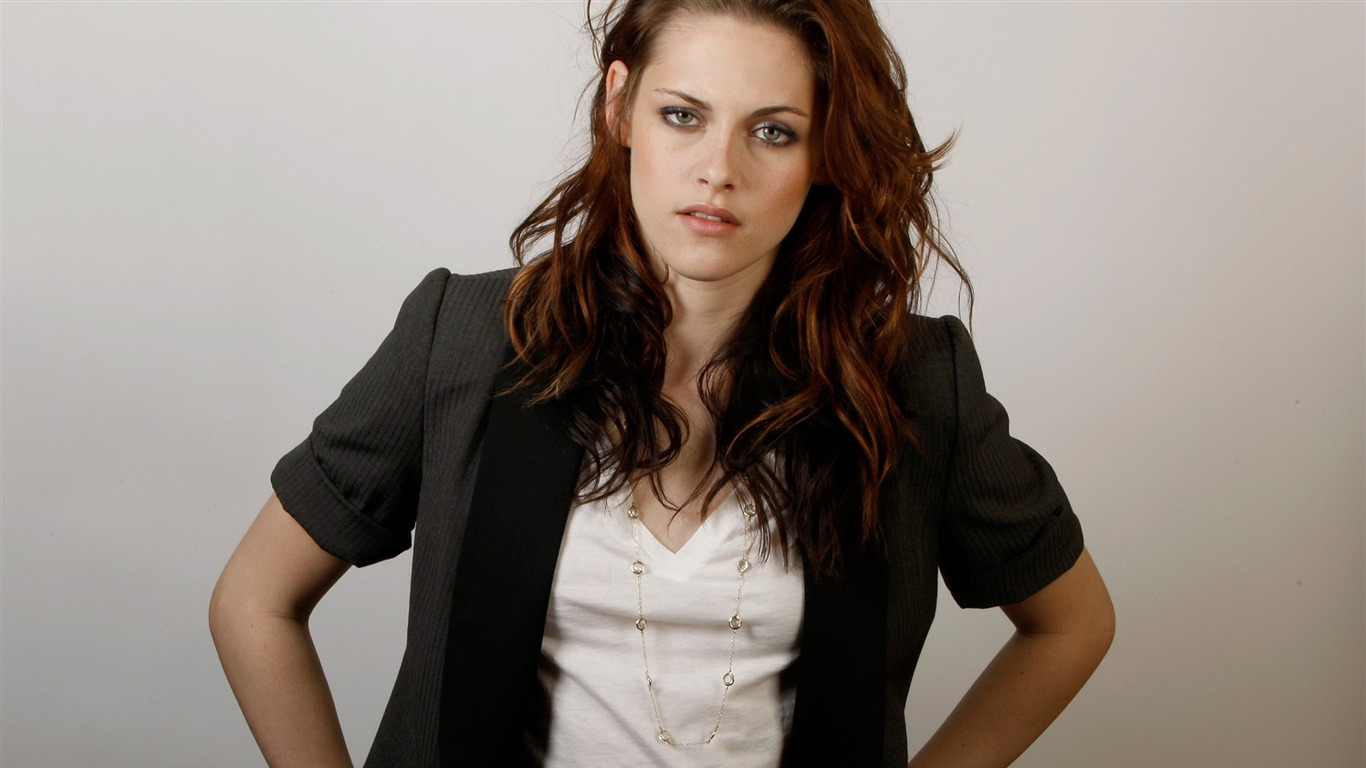 Kristen_Stewart-beauty_photo_wallpaper_012012.5.21