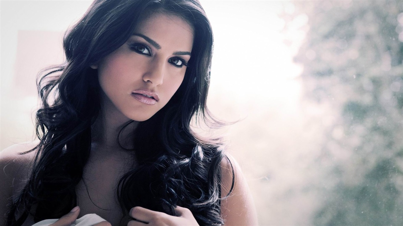 Sunny_Leone_-beauty_photo_wallpaper