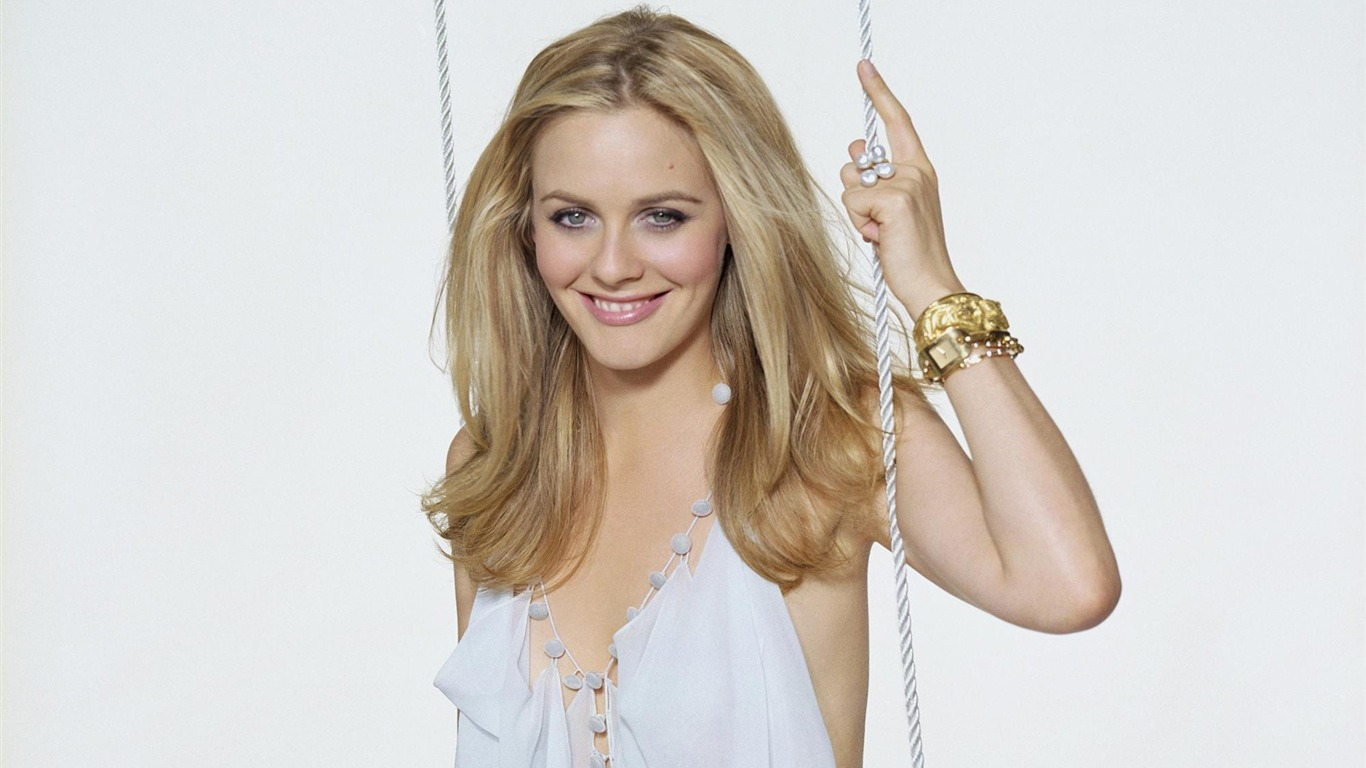 Alicia Silverstone Beauty Photo Wallpaper 02 Preview