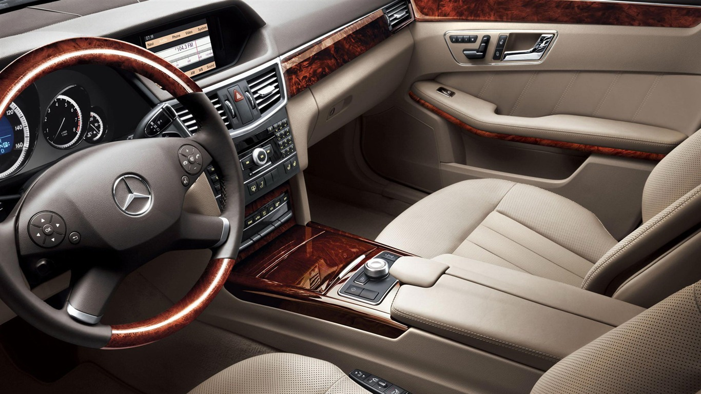 Front row luxurious interior-2012 Mercedes Benz E Class ...