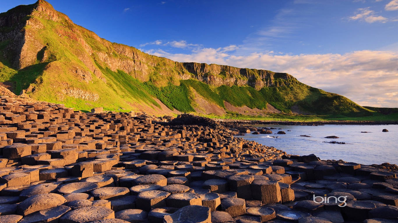 Irelands famous World Heritage-the Giants Causeway-Bing Wallpaper