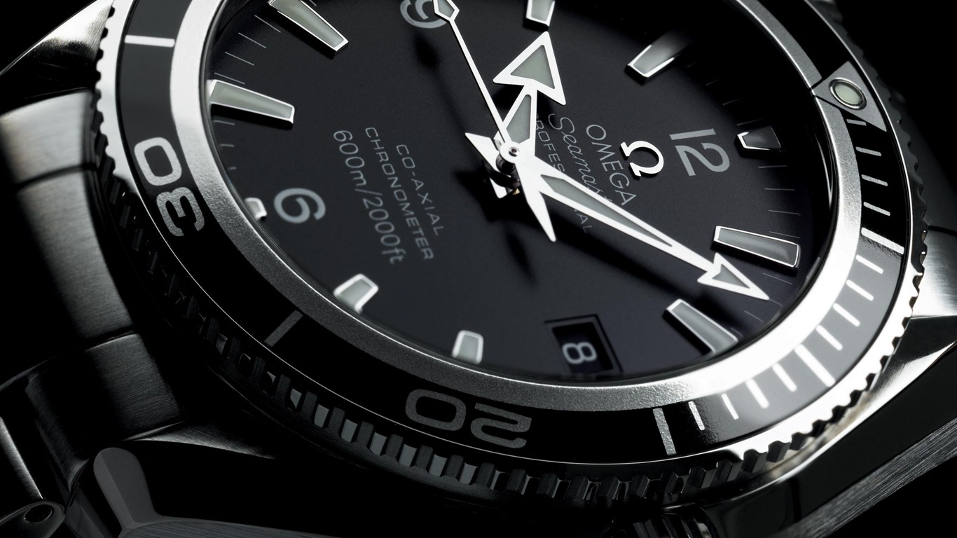 Omega-Fashion_watches_brand_advertising_Wallpaper_02