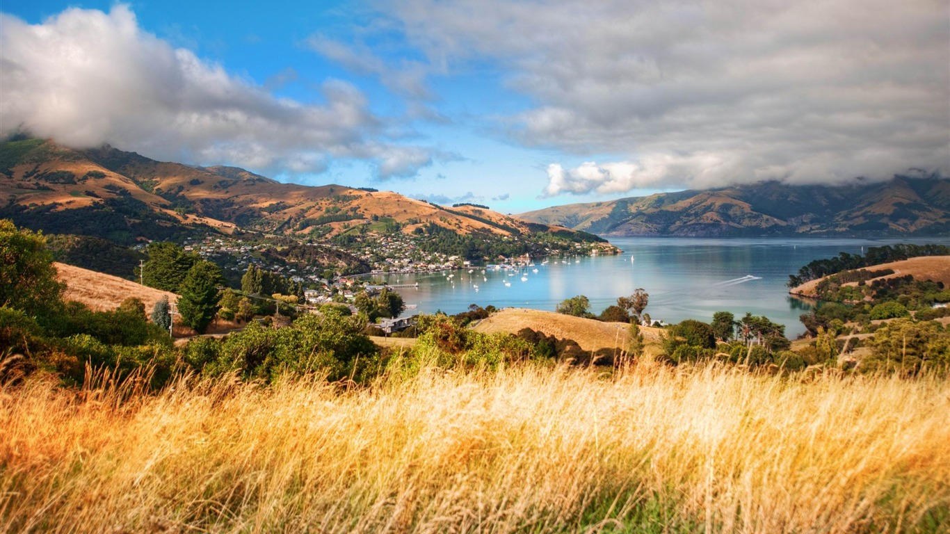 beautiful_akaroa-New_Zealand_landscape_wallpaper2013.1.27