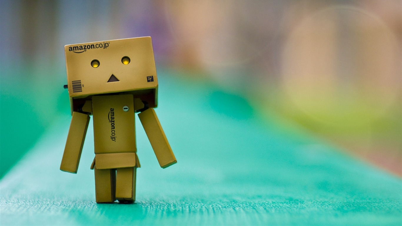 Danboard_boxes_robot_photo_HD_desktop_Wallpaper2013.3.14