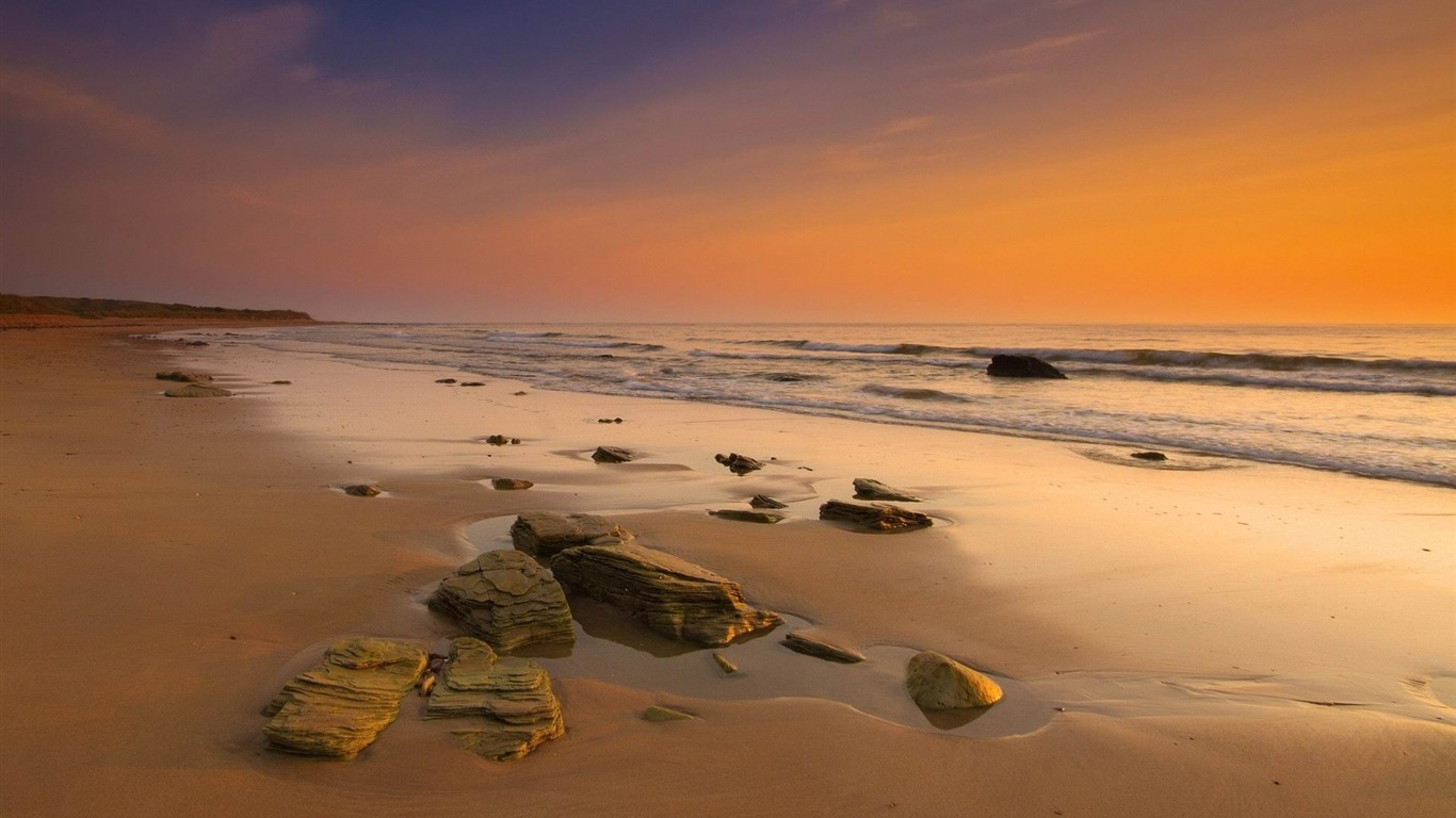 stones_on_the_beach-Landscape_widescreen_wallpaper2013.5.7