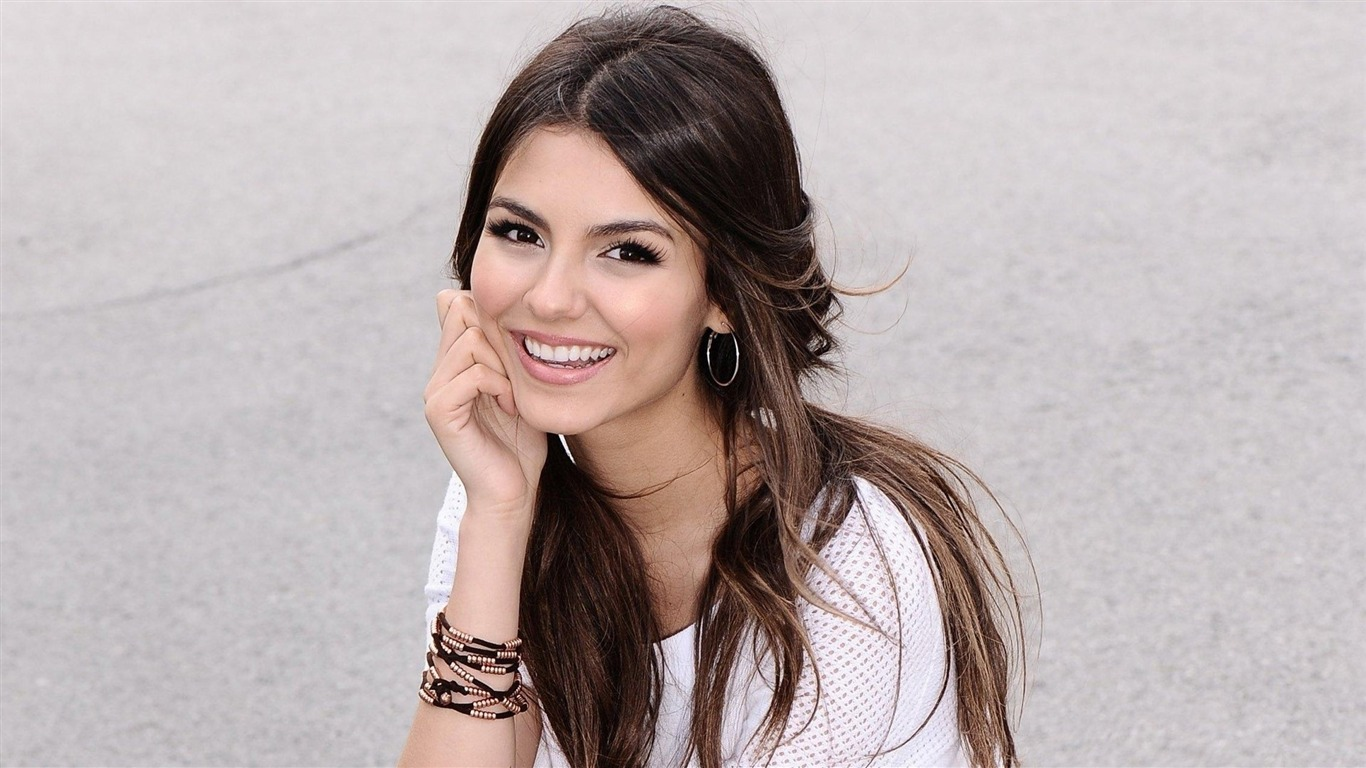Victoria_Justice_beauty_photo_HD_wallpaper_032013.7.21