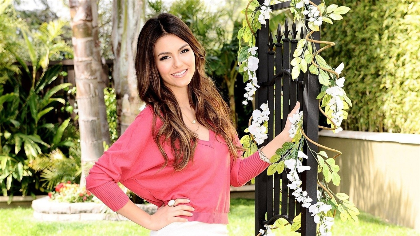Victoria_Justice_beauty_photo_HD_wallpaper_052013.7.21