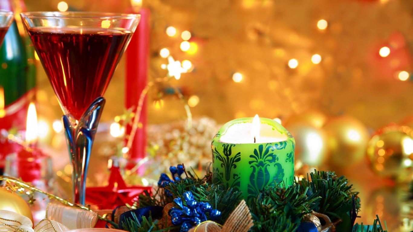 beverage_wine_glass_candles-holiday_theme_wallpaper2013.11.28