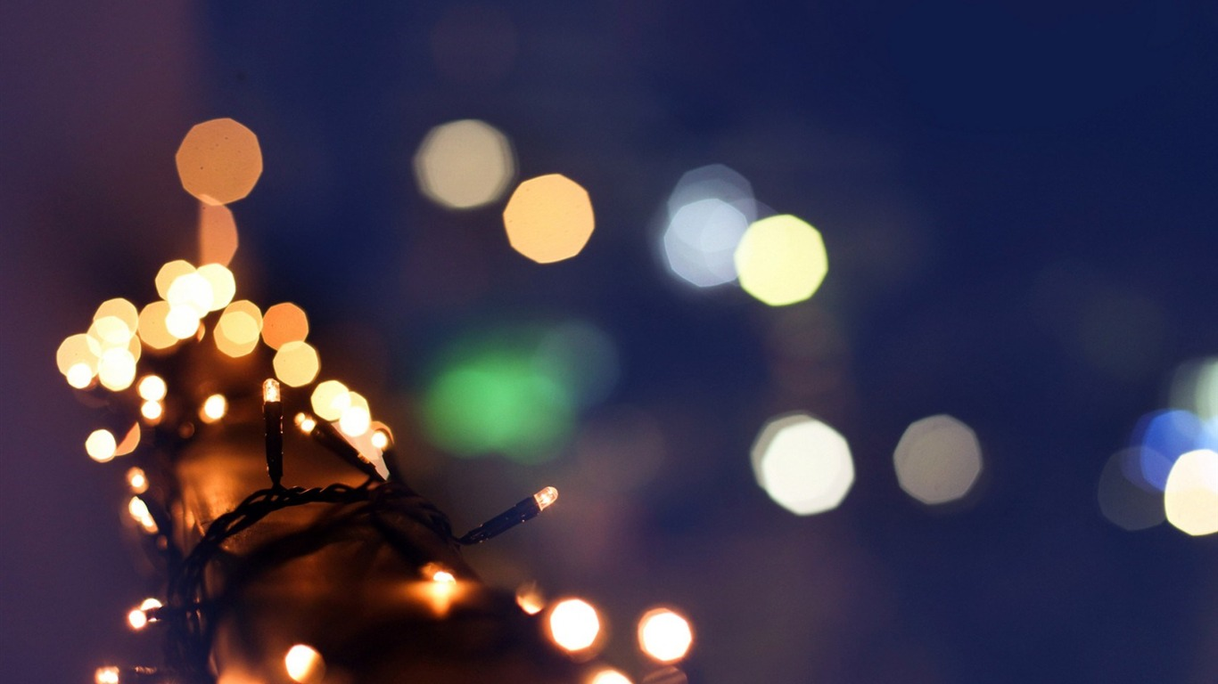 christmas_garland_lights_winter_bokeh-HIGH_Quality_Wallpaper