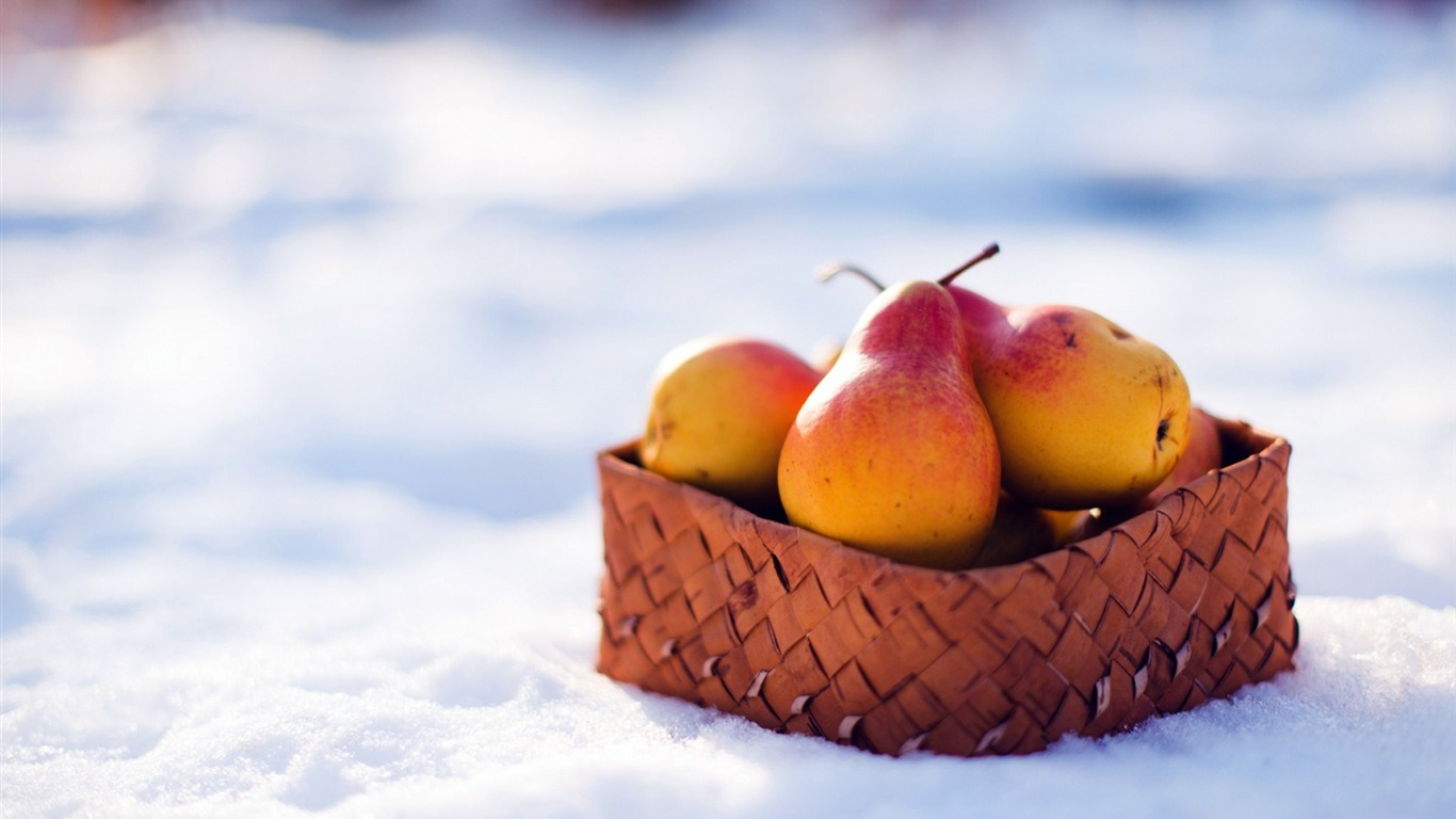 fruit_basket_winter_snow-HIGH_Quality_Wallpaper