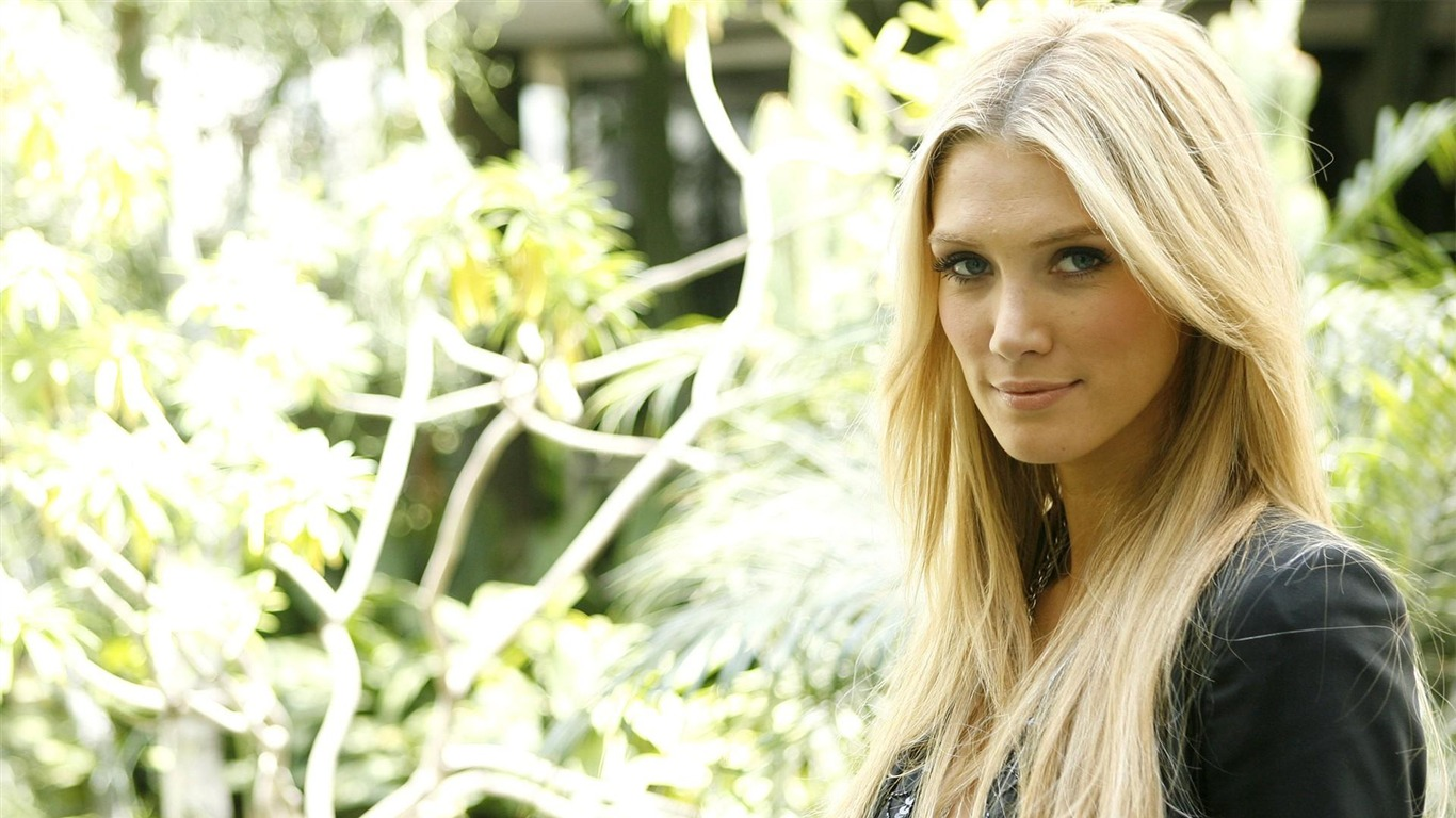 Delta_Goodrem_Beauty_Girl_Photo_HD_Wallpaper_02