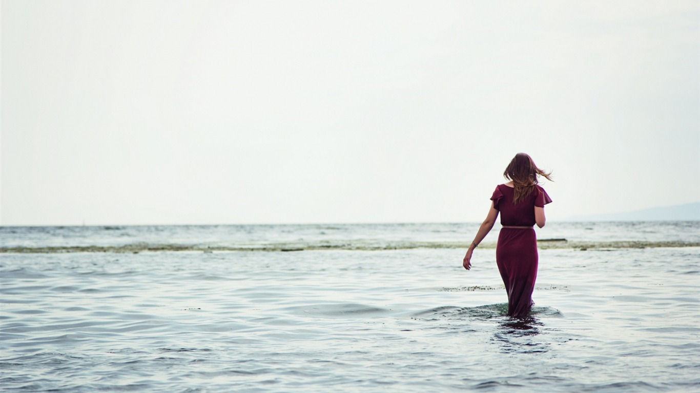 女の子の海のドレス ワイドスクリーンの壁紙プレビュー 10wallpaper Com