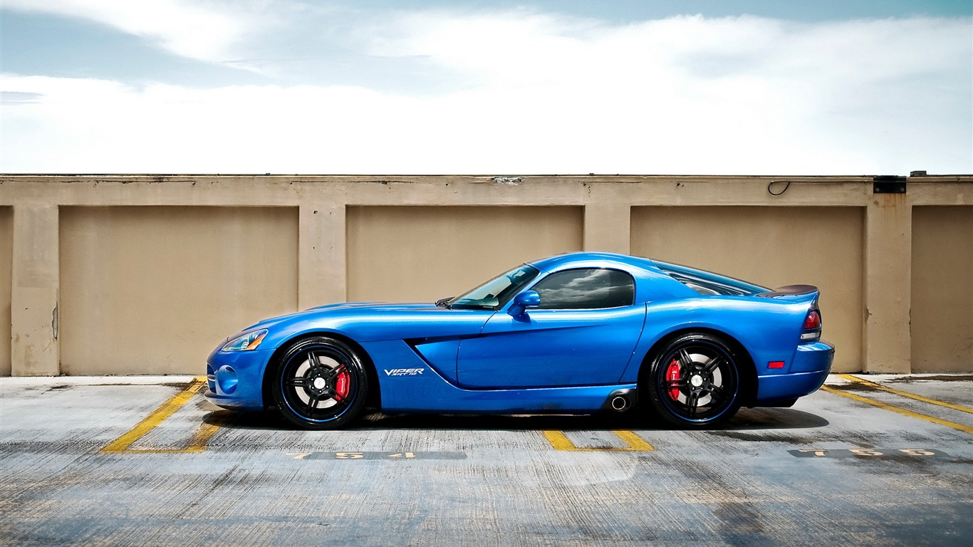 Dodge_Viper_SRT10-car_HD_Wallpaper