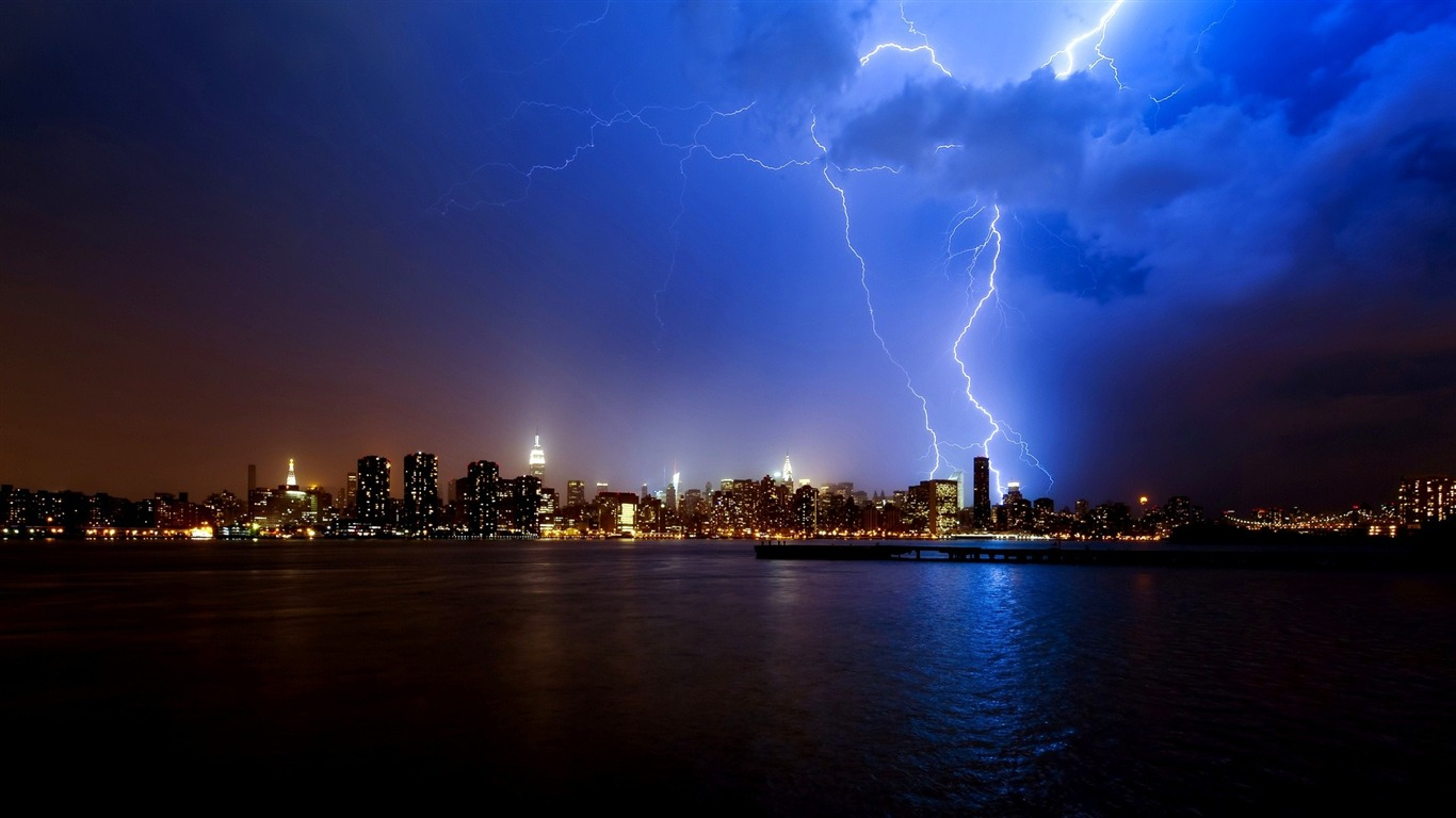 Storm Picture Cities Hd Wallpapers Avance 10wallpapercom