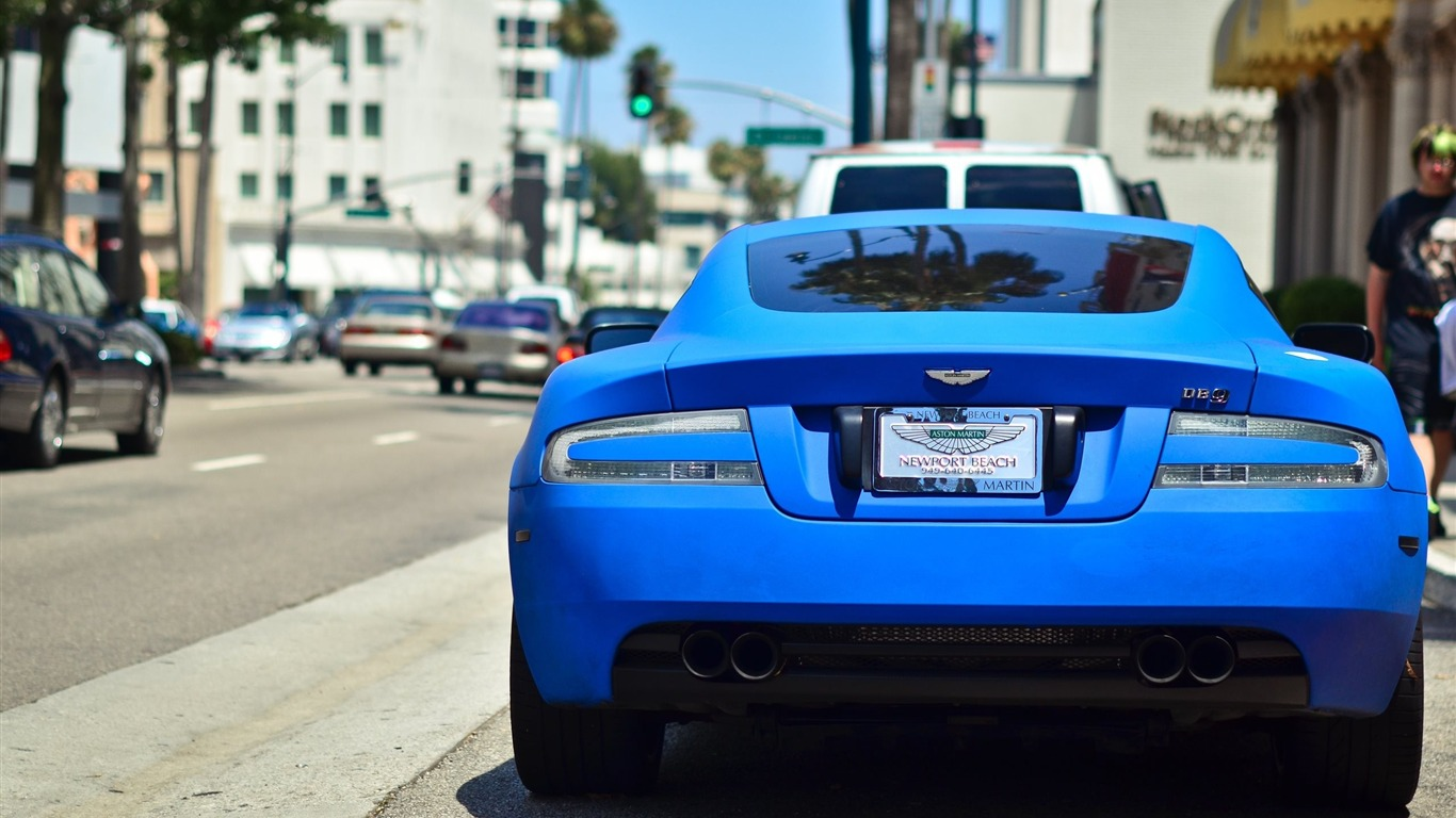 aston_martin_blue-car_HD_Wallpaper