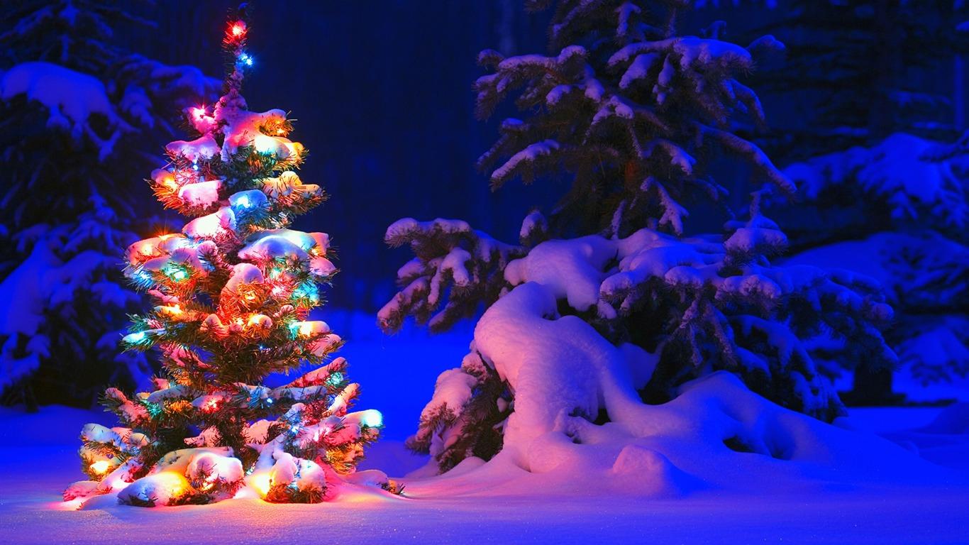 Snowflakes And Christmas Lights-Windows 10 HD Wallpaper