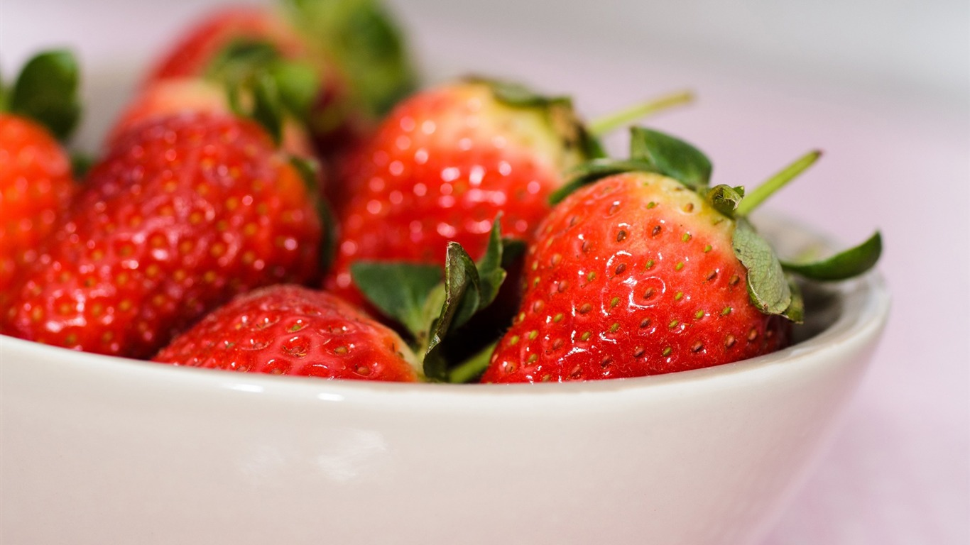 strawberry_bowl_berry-High_Quality_Wallpaper2015.10.24