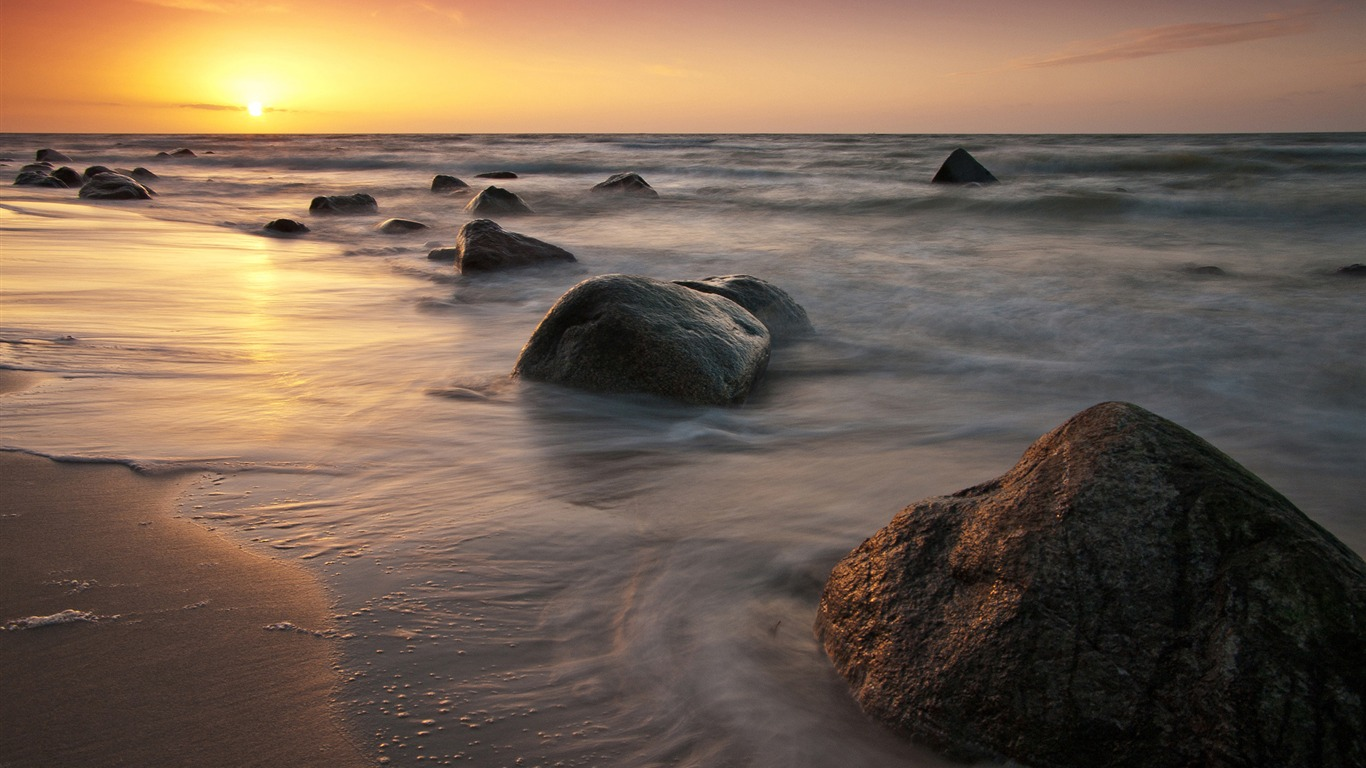 Golden_sunset_rocks_beach-Nature_HD_Wallpaper2015.11.4