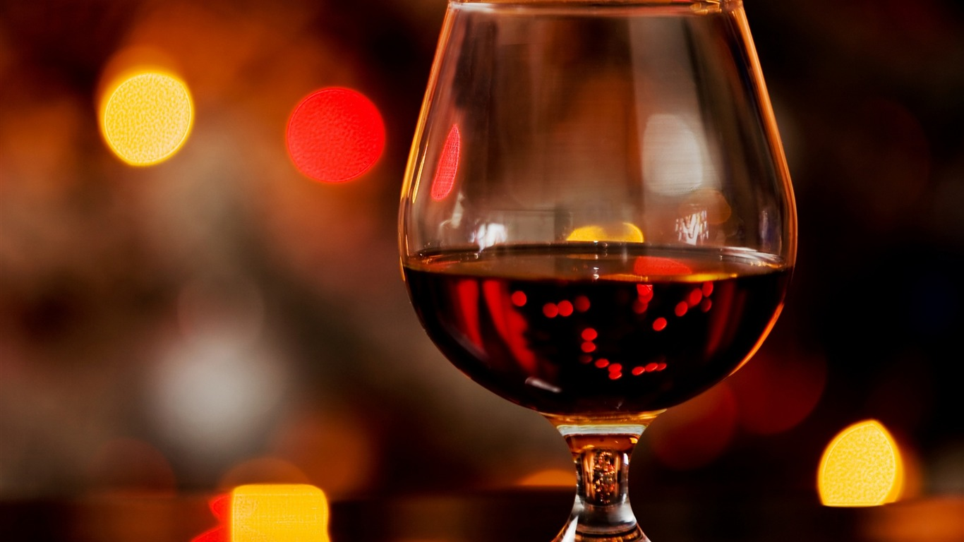 Cognac_glass_alcohol_bokeh-HD_Desktop_Wallpaper2015.12.5