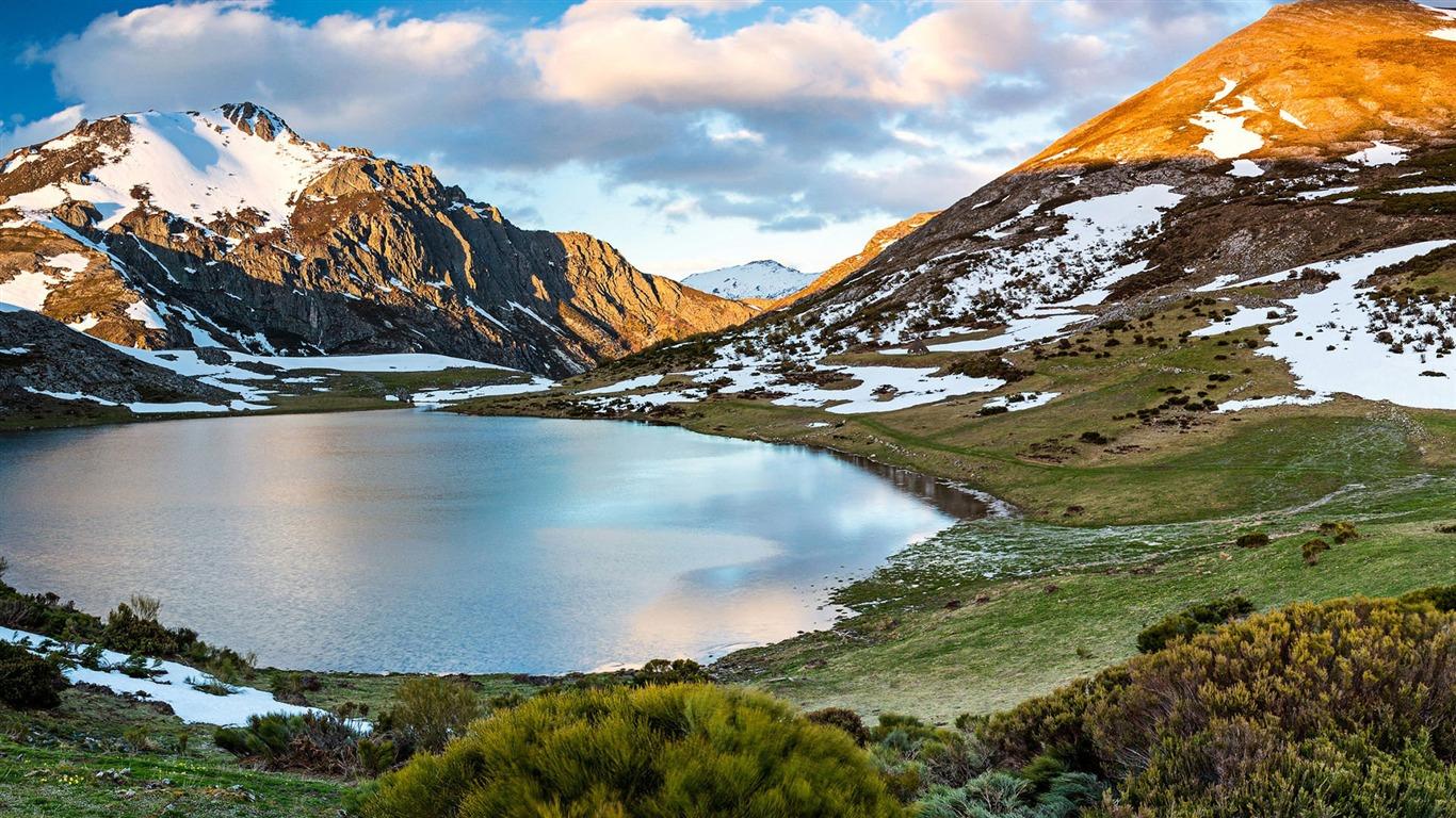 雪の山湖カスティーリャ レオンスペイン 自然のhdの壁紙プレビュー