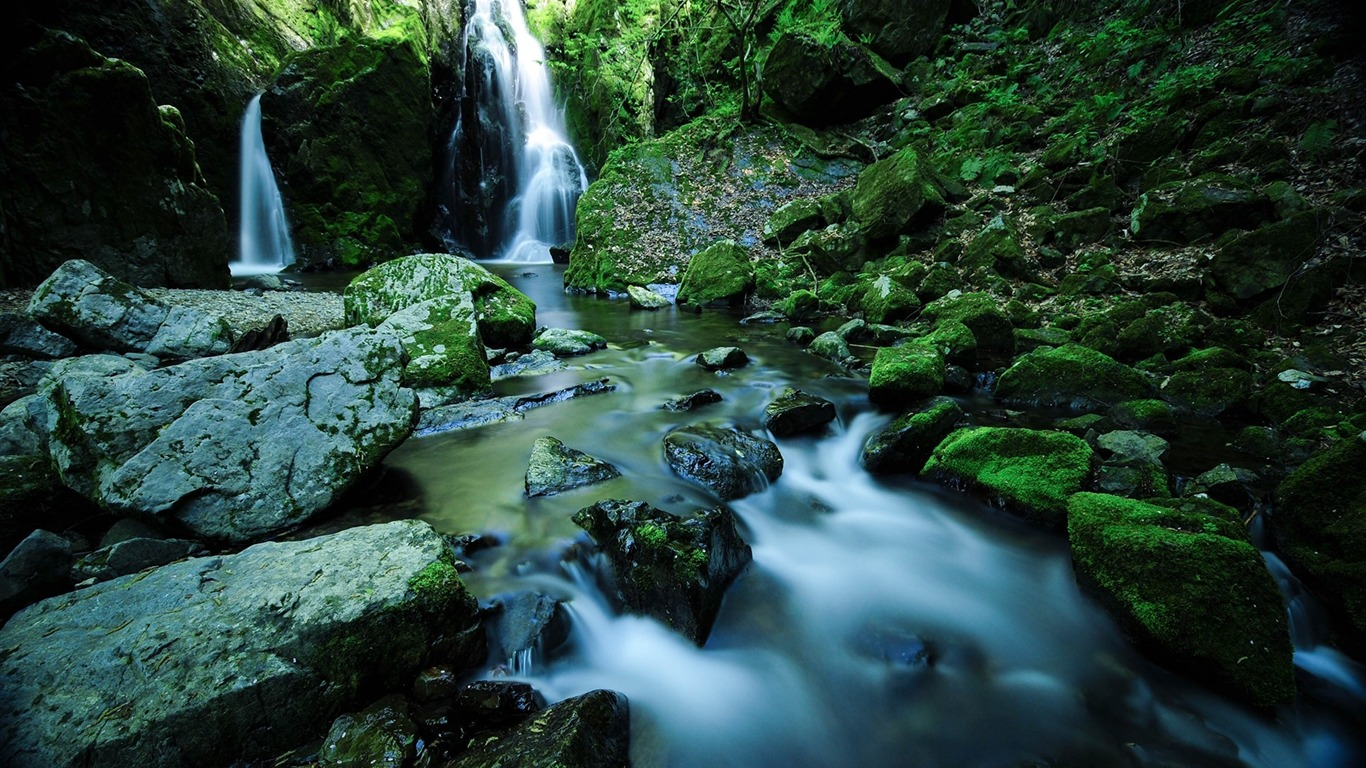 Waterfall_stones_moss_water-Scenery_Photo_HD_Wallpaper