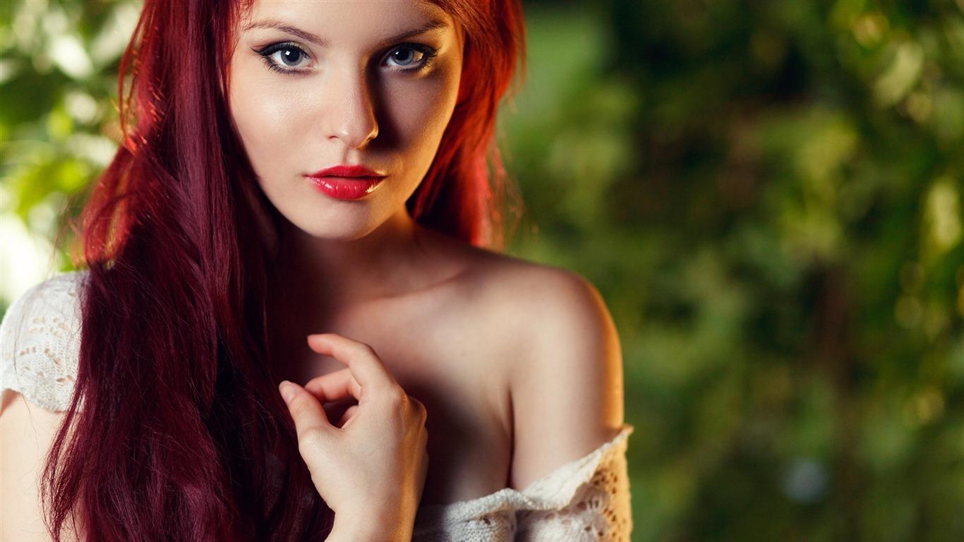 Redhead girl face makeup-Beauty Photo