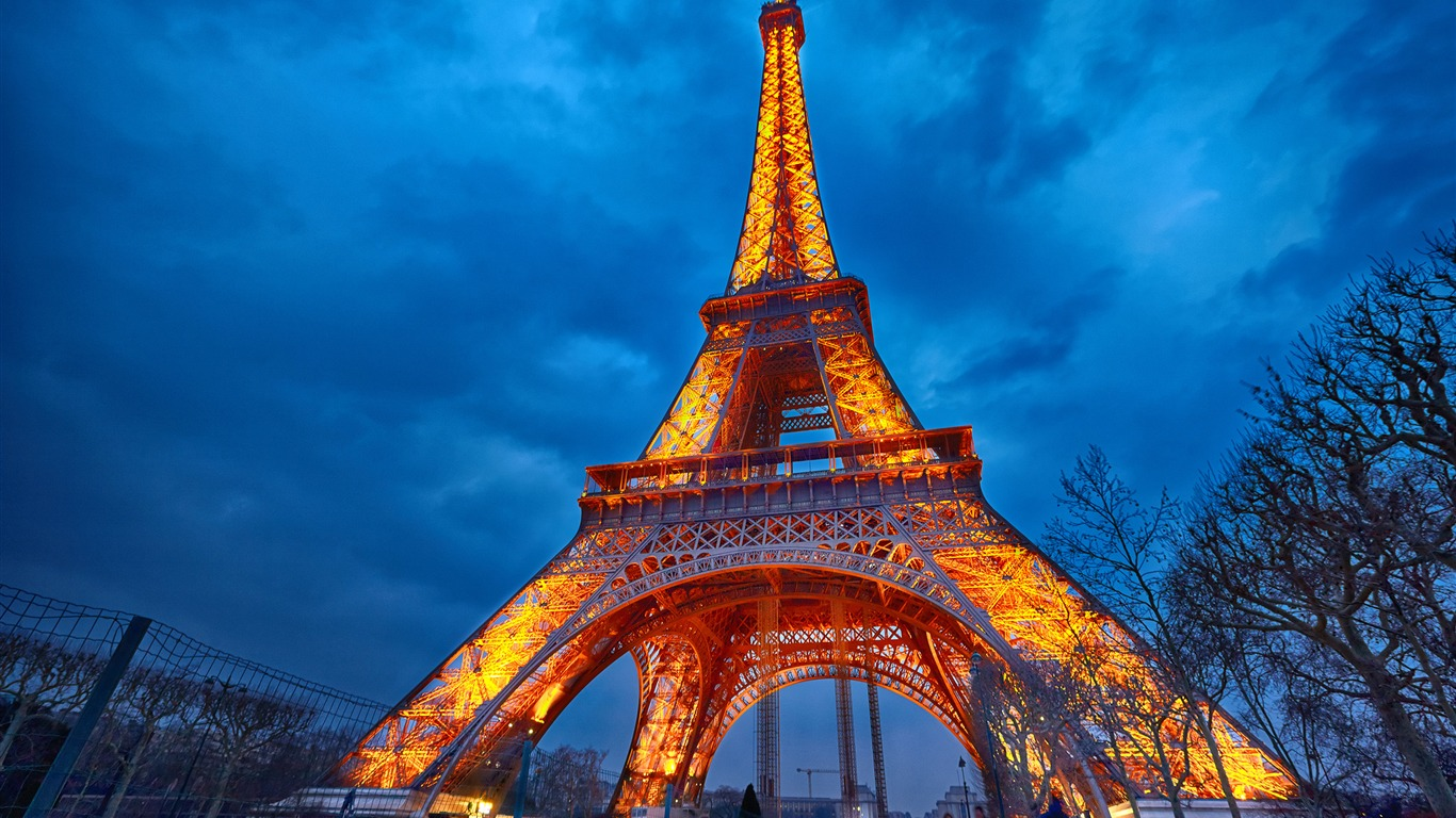 エッフェル塔の美しい夜景 撮影のhdの壁紙プレビュー 10wallpaper Com