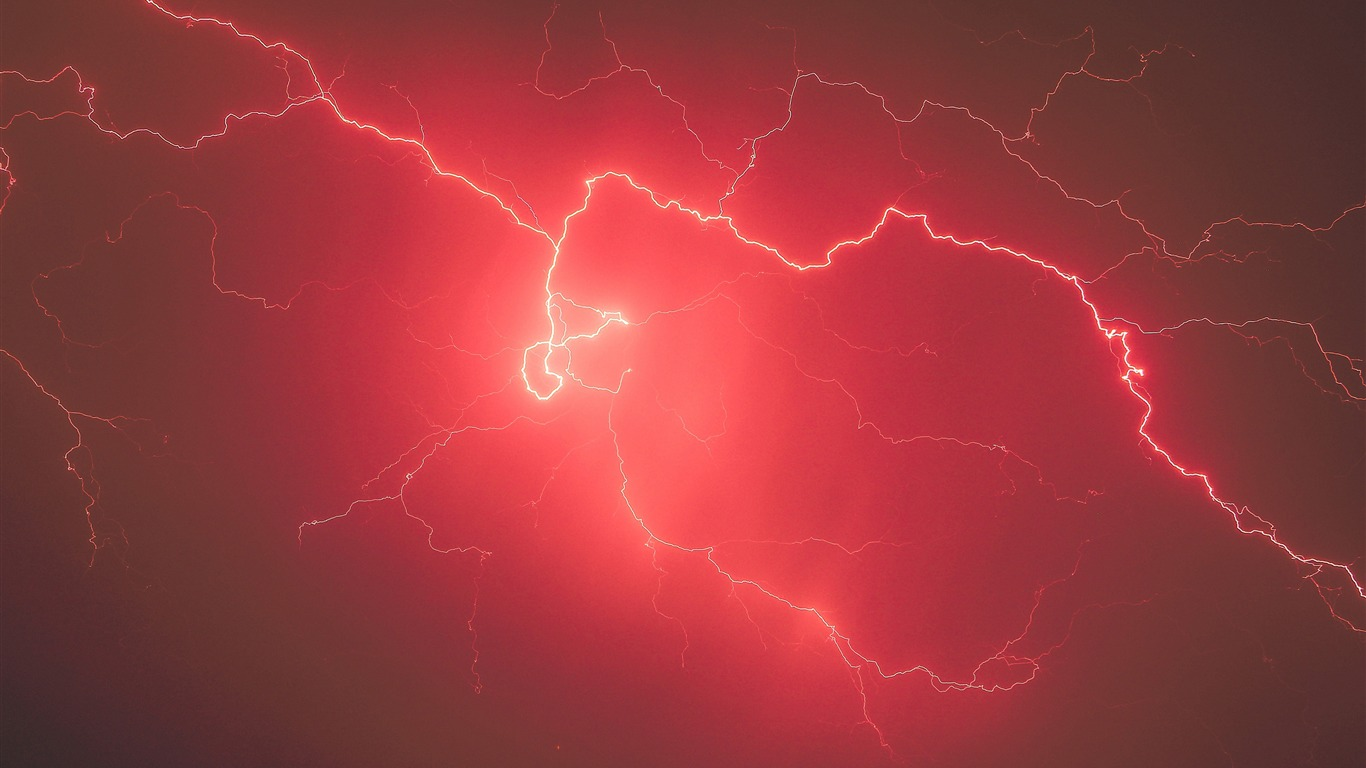 Summer_night_lightning_storm_red_sky