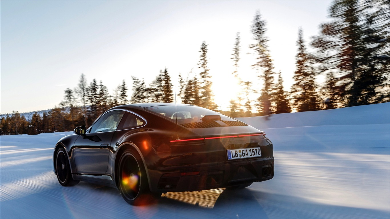 2020_Porsche_911_Supercar_Winter_Photo2018.11.25