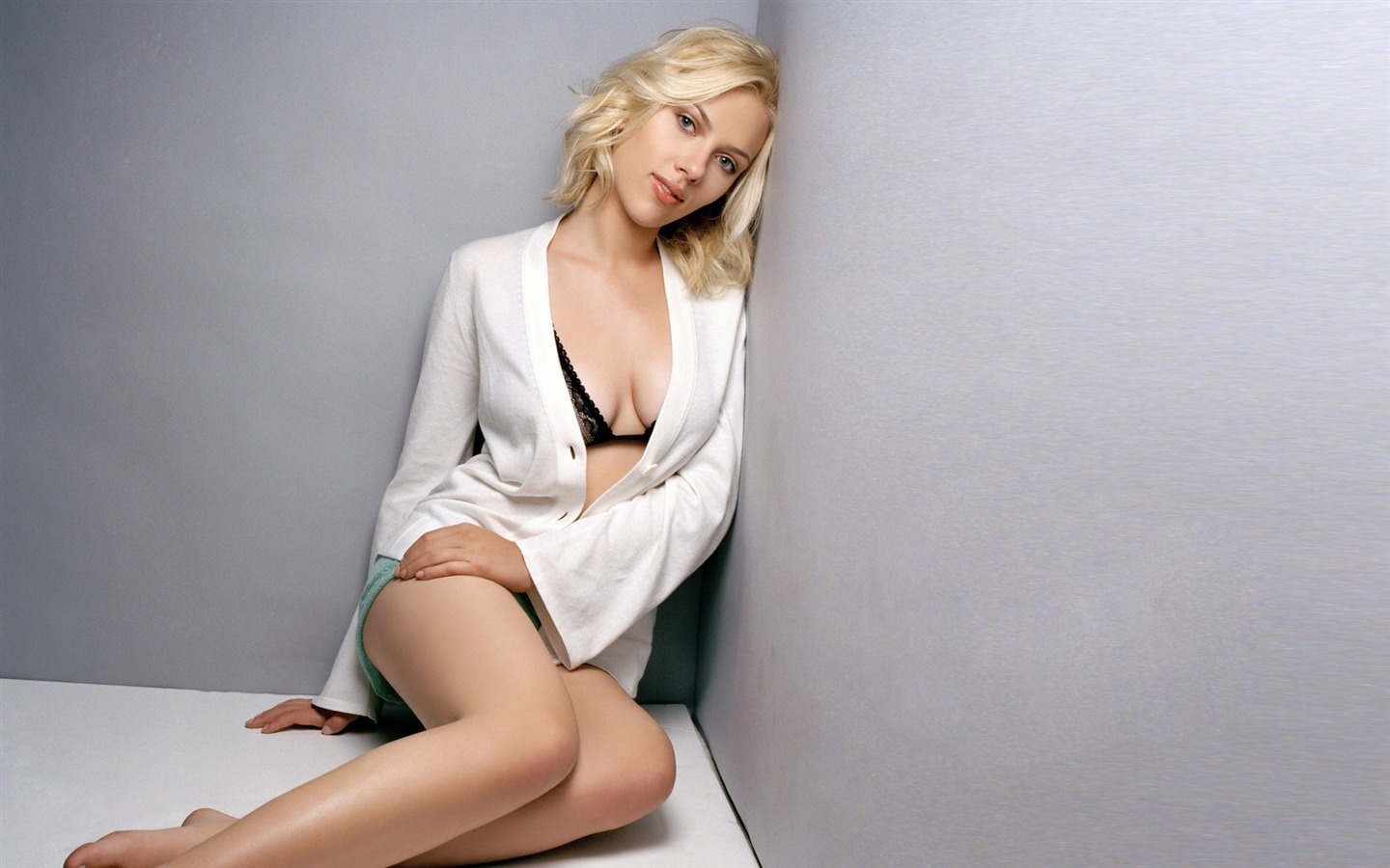 People / Scarlett Johansson beautiful sexy photo wallpa.. Scarlett_Johansson_beautiful_sexy_photo_wallpaper_112013.1.14