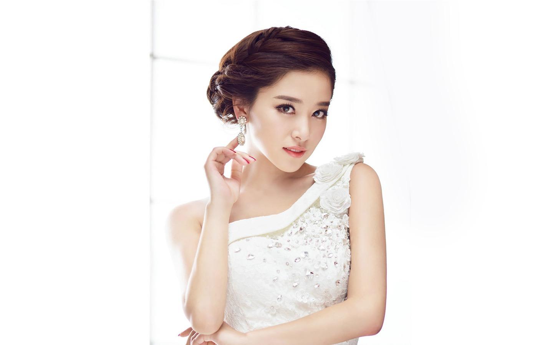 中国演员海顿_中国青春美女演员写真桌面壁纸预览 | 10wallpaper.com