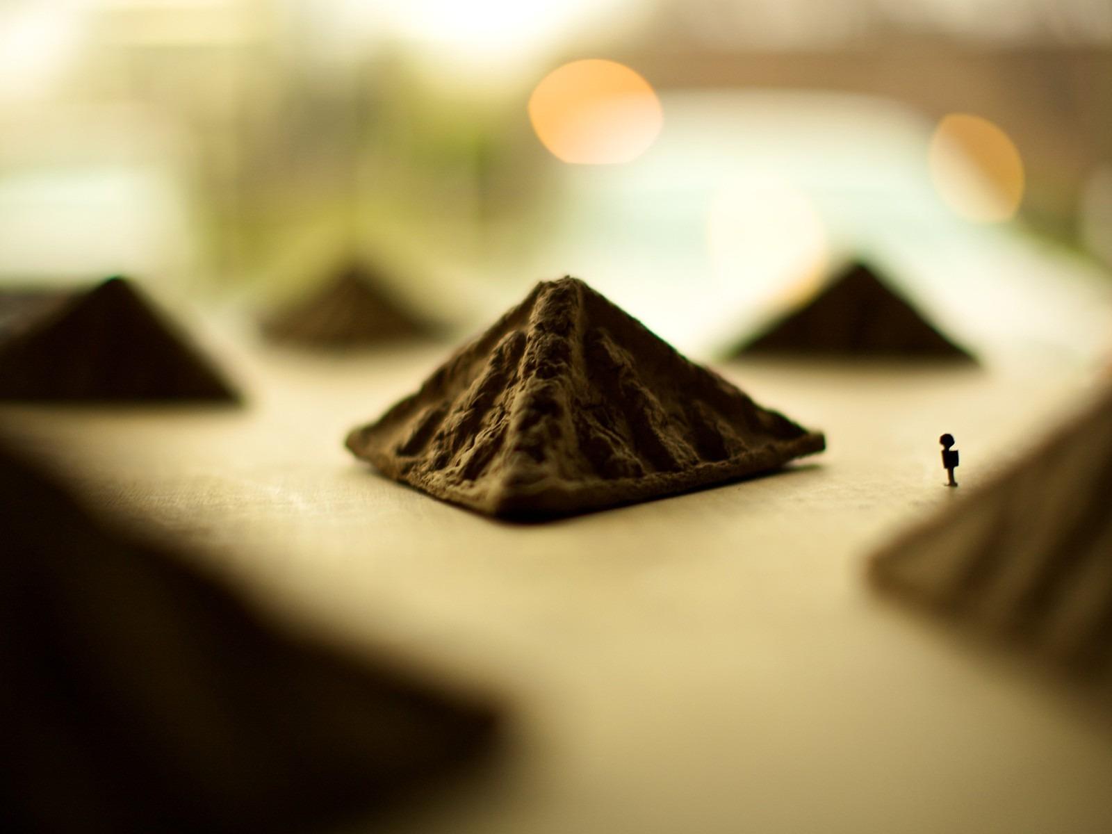Miniature Pyramids Life Photography Hd Wallpaper Preview 10wallpaper Com