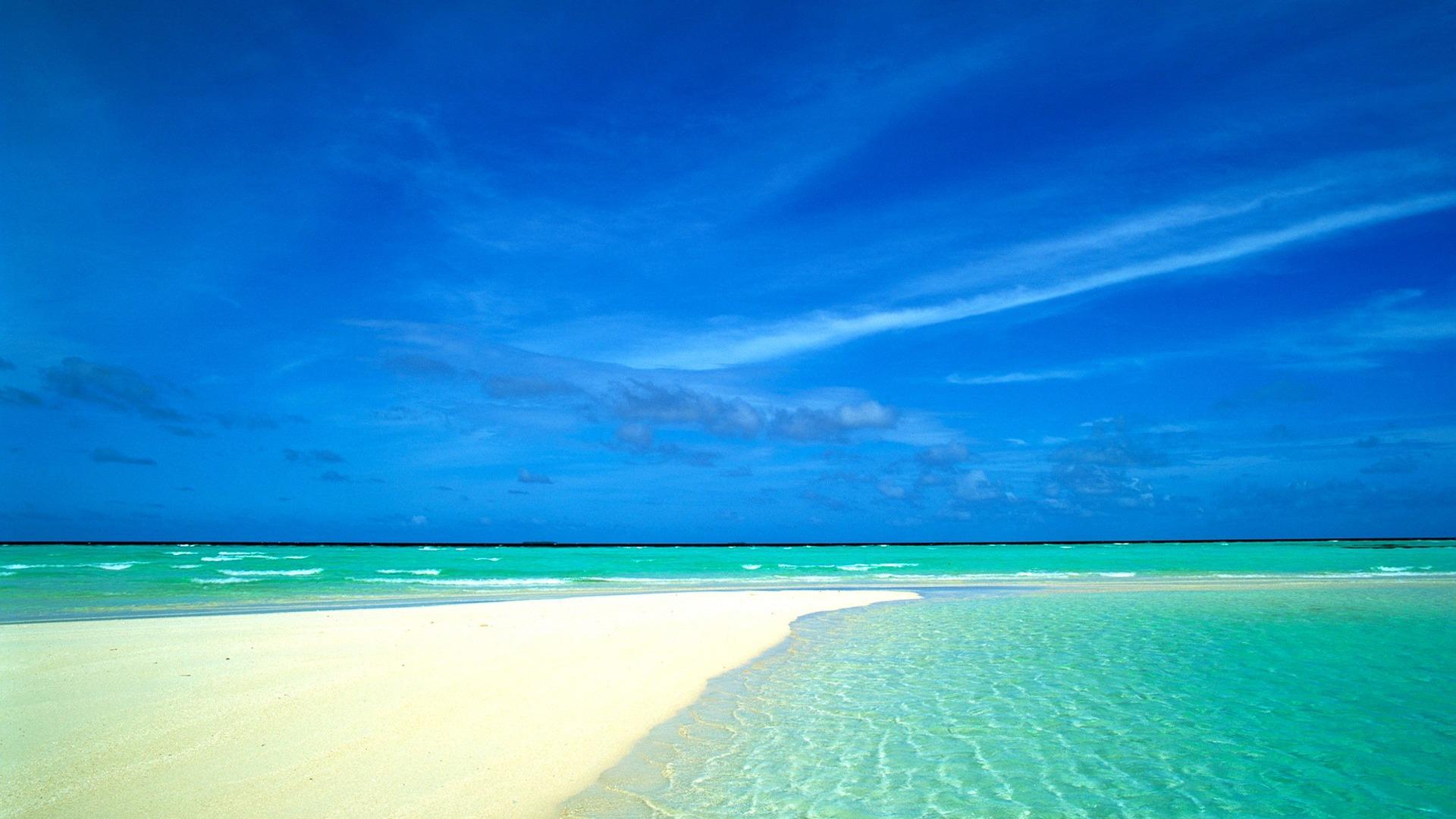 蓝色的大海和沙滩壁纸包围预览 10wallpaper Com