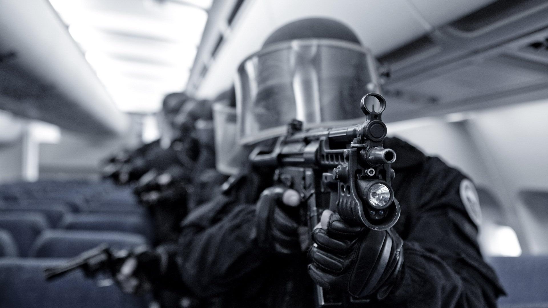 Swatチーム デスクトップの壁紙の軍事関連項目プレビュー 10wallpaper Com